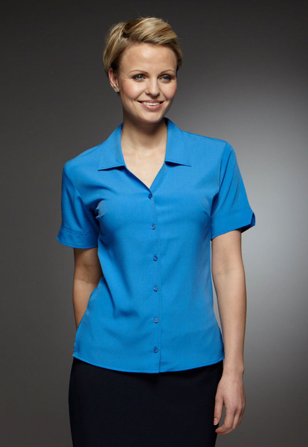 Brilliant A Classic Look For Classic Work Touchtex Technology Adds Superior Color Retention And Soil Release Through Industrial Laundering, And A Squared Bottom Hem Can Be Worn In Or Out The Performance Blend Polycotton Poplin Keeps You On